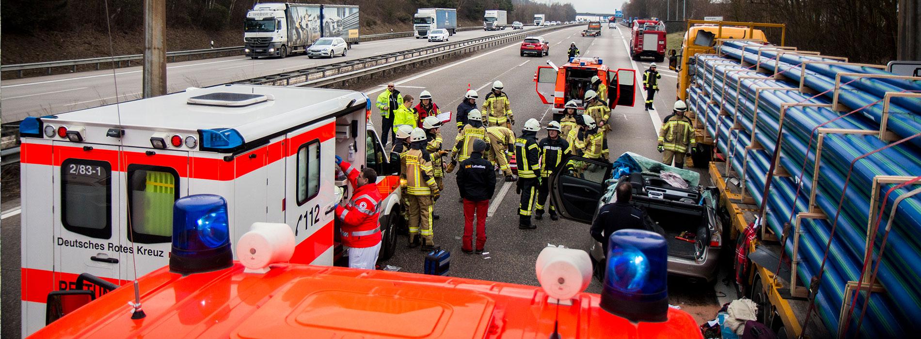 Feuerwehr-Etscheid_Einsatz-Verkehrsunfall_A3_VG-Asbach